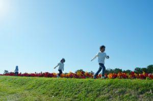 子ども 外遊び